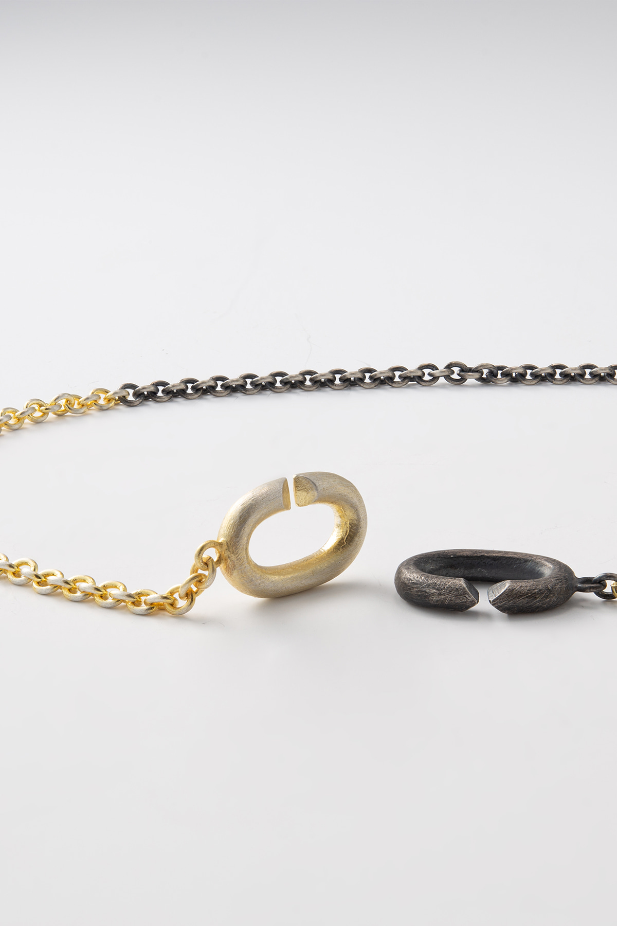 Black and Gold Clasp Design Necklace