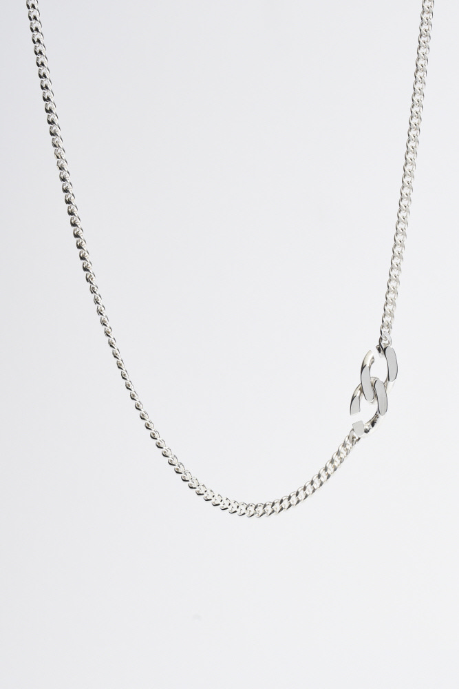 SIlver Clasp Necklace