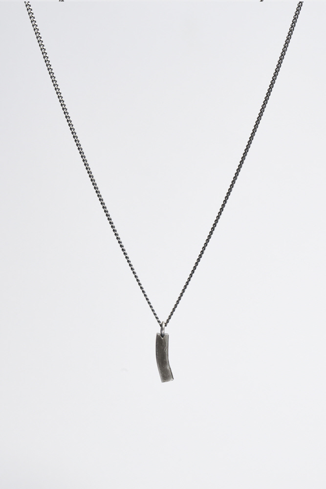 Curved Half Bar Necklace